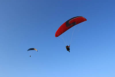 Photograph - Parachuting Couple by Radoslav Nedelchev