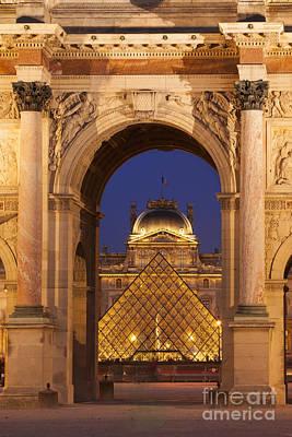 Arc De Triomphe Du Carrousel Wall Art - Photograph - Paris Pyramid by Brian Jannsen
