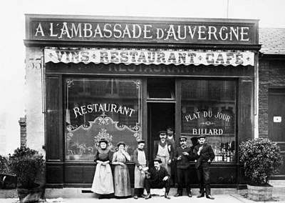 Photograph - Paris: Restaurant, C1900 by Granger