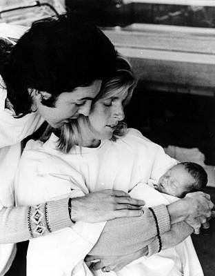 Mccartney Photograph - Paul And Linda Mccartney With Newborn by Everett