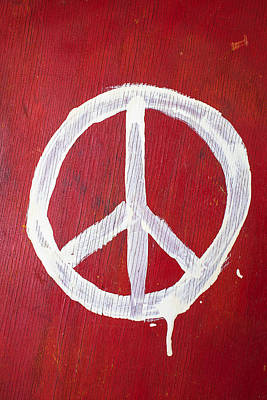 Photograph - Peace Sign On Red Wooden Wall by Garry Gay