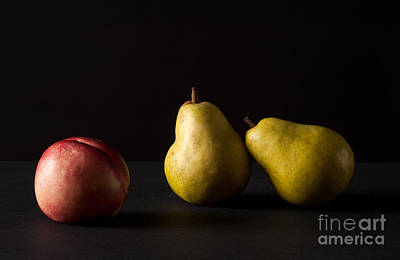 Pears And Peach Print by Catherine Lau