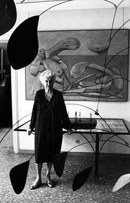 Peggy Guggenheim In The Center Hall Art Print by Everett