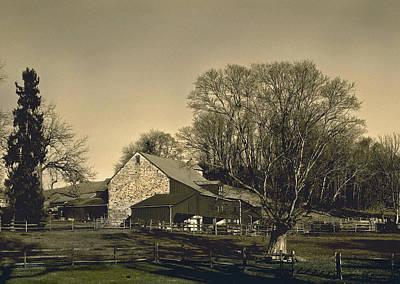 Pennsylvania Barns Photograph - Pennsylvania Barn At Sunset by Gordon Beck