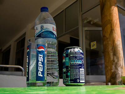Pepsi Can Photograph - Pepsi Table by Guiseppe Olivetani