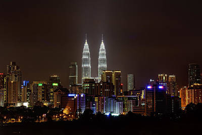 Y120831 Photograph - Petronas Twin Towers by vedd Photography