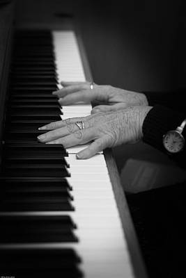 Photograph - Piano Player by Gray  Artus