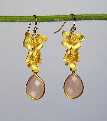 Pink Chalcedony And Gold Flowers Earrings  Original by Evelina Pastilati