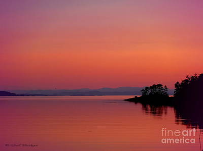 Pink Morn At Rock Point Art Print by Gail Bridger