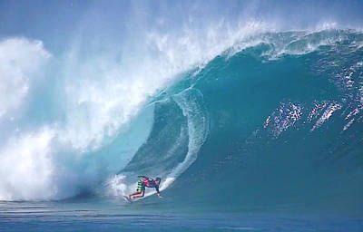 Triple Crown Of Surfing Photograph - Pipe Bomb by Kevin Smith