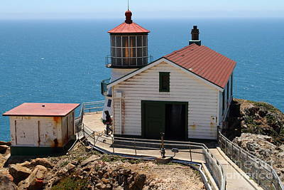 Point Reyes Lighthouse In California 7d15997 Art Print by Wingsdomain Art and Photography