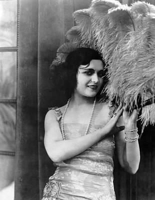 Pola Negri Photograph - Pola Negri, 1923 by Everett
