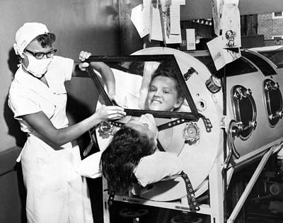 Infantile Paralysis Photograph - Polio Patient Flossie Rogers Looking by Everett