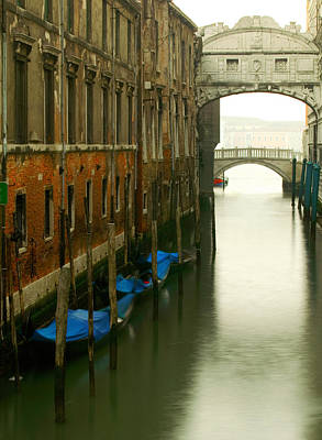 Photograph - Ponte Dei Sospiri by John Galbo