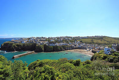 Port Isaac Cornwall Photograph - Port Isaac by Carl Whitfield