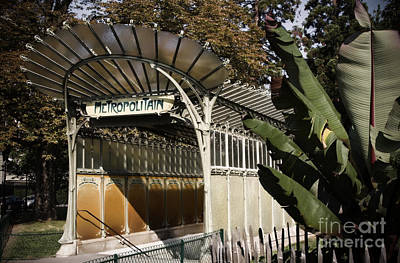 Photograph - Porte Dauphine Metro by RicharD Murphy