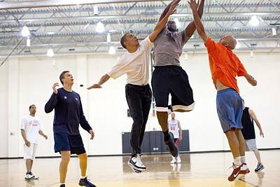 President Barack Obama Attempts Art Print by Everett