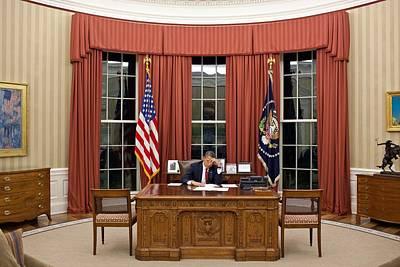 President Barack Obama Edits Art Print