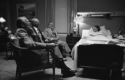 President Ford, Bob Hope Visit Mrs Art Print