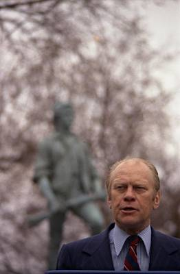 Statue Portrait Photograph - President Ford Speaks On The 200th by Everett
