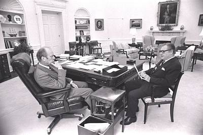 President Gerald Ford Meets With Vp Art Print