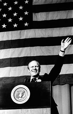President Gerald Ford Waves In Front Art Print by Everett