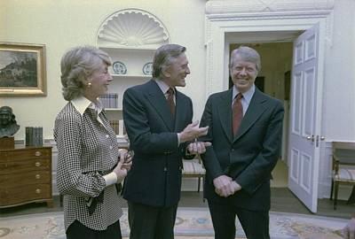 President Jimmy Carter Greets Actor Art Print by Everett