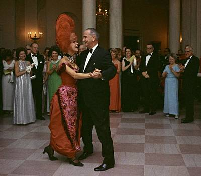 Lyndon Photograph - President Lyndon Johnson Dancing by Everett