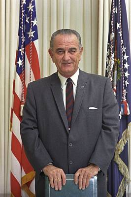 Lyndon Photograph - President Lyndon Johnson In The Oval by Everett