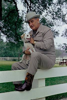 Lyndon Photograph - President Lyndon Johnson Posing by Everett