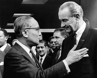 Lyndon Photograph - President Lyndon Johnson With United by Everett