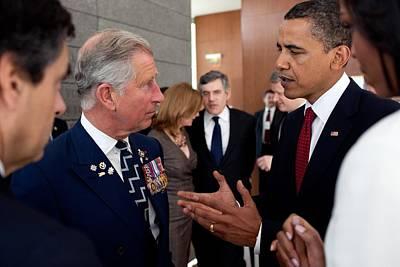 President Obama And Prince Charles Talk Art Print