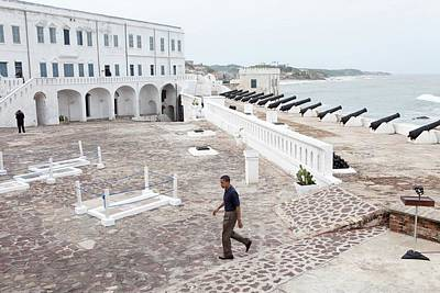 President Obama Finishes Tours Cape Art Print