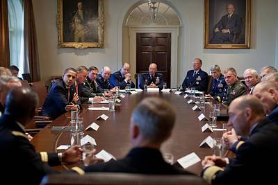 President Obama Meets With Combat Art Print