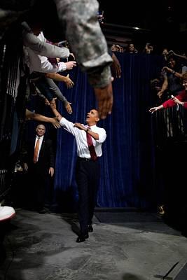 President Obama Shakes Hands Extended Print by Everett