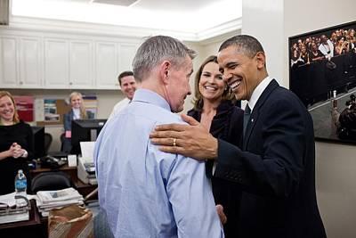 President Obama Talks With White House Art Print by Everett