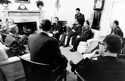 President Richard Nixon Met Print by Everett