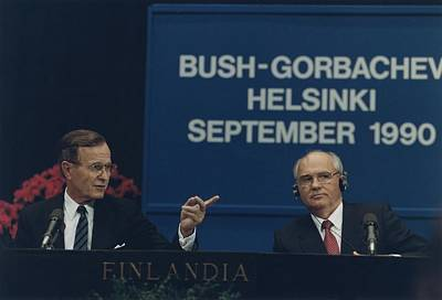 Presidents George Bush And Mikhail Art Print by Everett