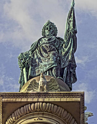 Photograph - The Soldiers And Sailors Monument by Jeff Stallard