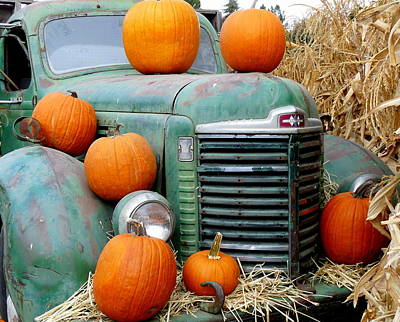 Photograph - Pumpkins On Old Truck by Jeff Lowe