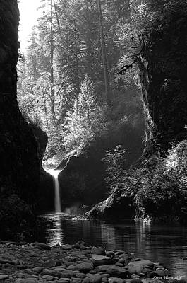 Photograph - Punchbowl Falls 2 by Steve Warnstaff