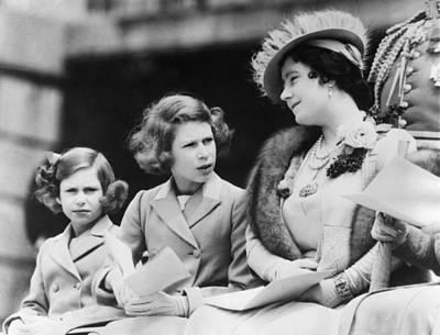 Queen Elizabeth Right, The Former Art Print by Everett