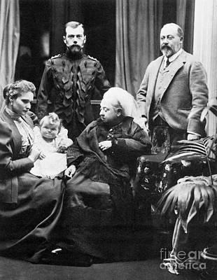 Tatiana Photograph - Queen Victoria And Tsar Nicholas II by Photo Researchers