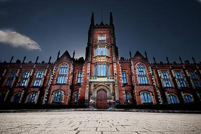 Master Potter Photograph - Queen's University Belfast by Christopher Kulfan