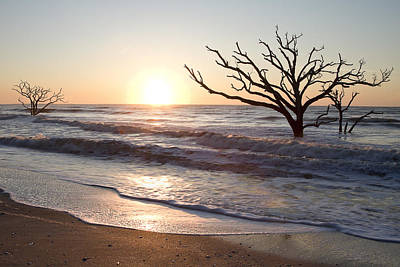 Edisto Island Photograph - Quiet Sunrise At Botany Bay by Bill Swindaman