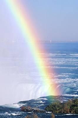 rainbow Over Niagara Falls, New York Art Print