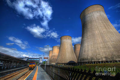 Photograph - Ratcliffe On Soar Power Station by Yhun Suarez