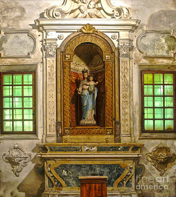 Ravenna Italy - Sant Apollinare Nuovo - Madonna And Child Art Print by Gregory Dyer