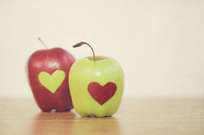 Red And Green Apple With Heart Shape Print by Maria Kallin