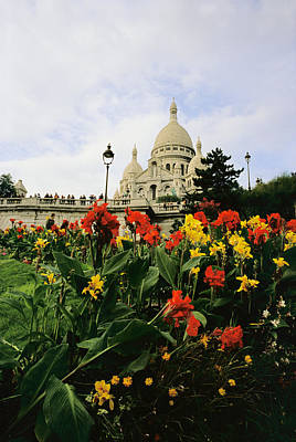 Sacre Coeur Photograph - Red And Yellow Flowers Bloom by Raul Touzon